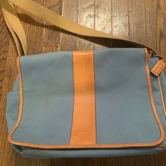Coach Handbags - Coach messenger bag.